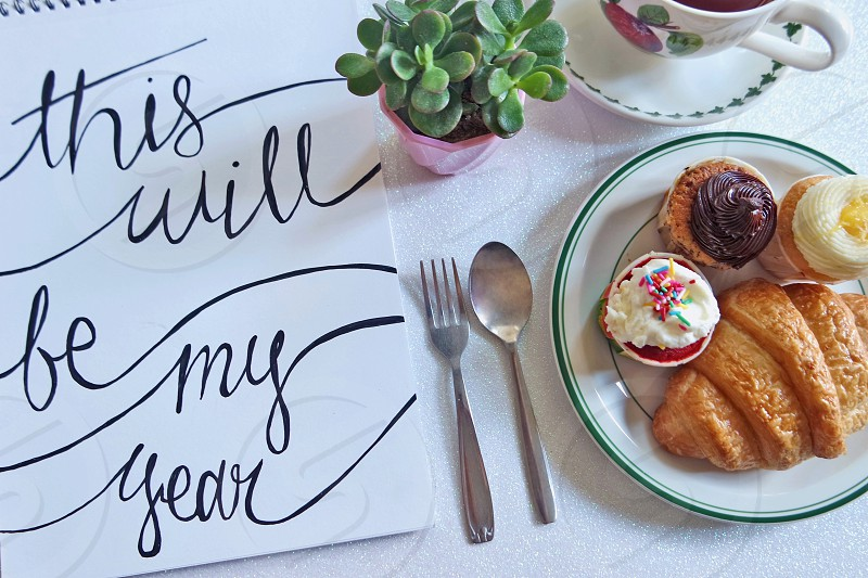 2016 note to self #selfmotivation #quote #newyear #2016 #inspiration #new beginnings #new start #cafe #cupcake #typography #writing #handwritten  photo