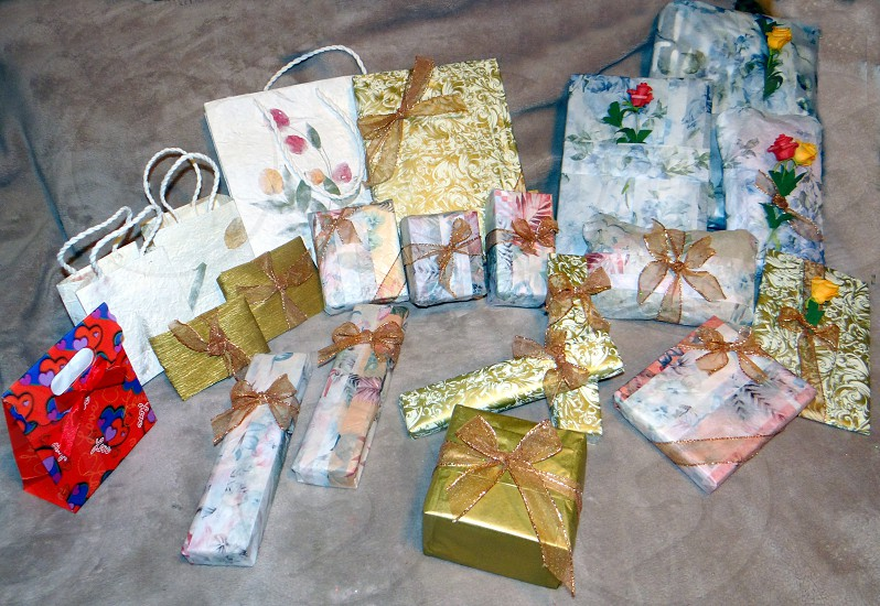 gifts wrapping decorative bows photo