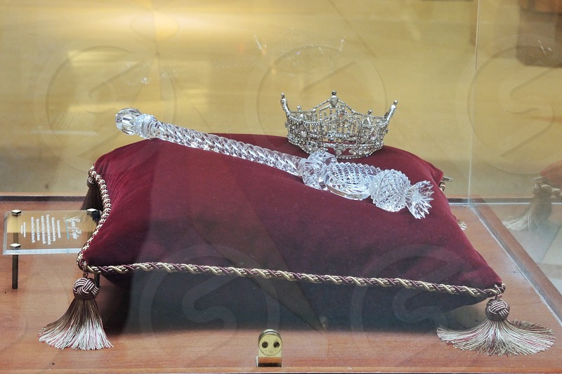crown and scepter on display photo