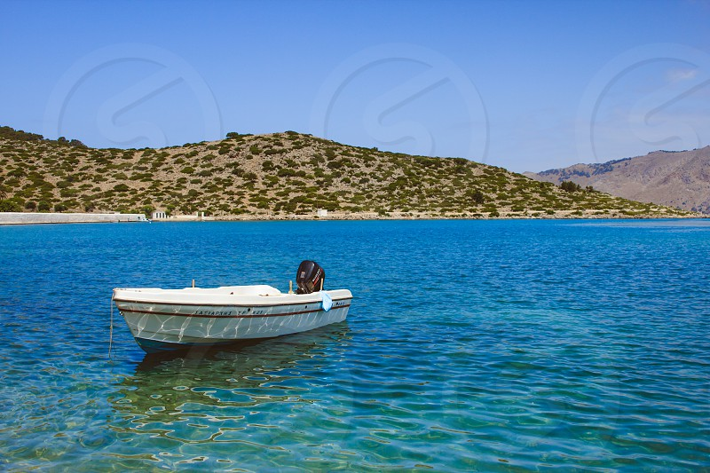 sea boat photo