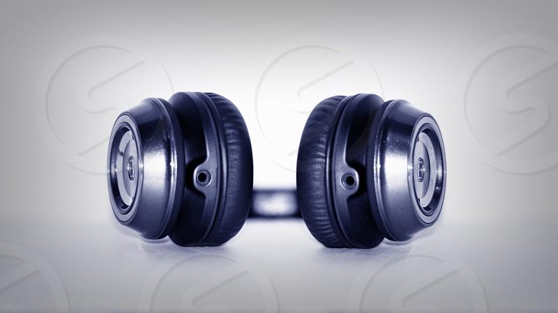 black cordless headphones photo