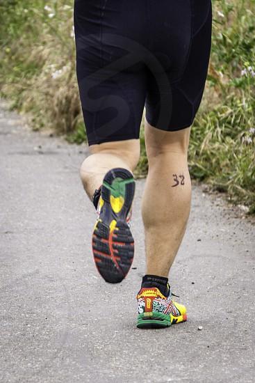 runner in race photo