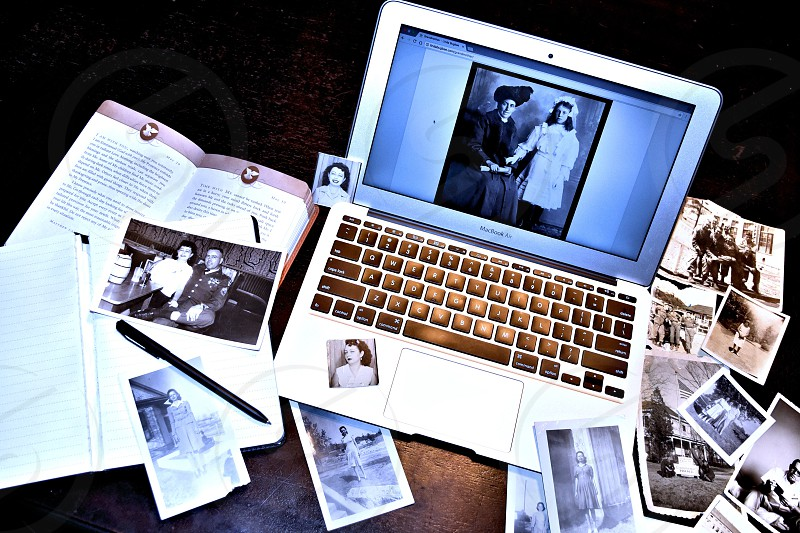 Vintage pictures laptop Apple Computer Lindabugbee.com photo