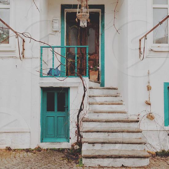 white wooden staircase photo