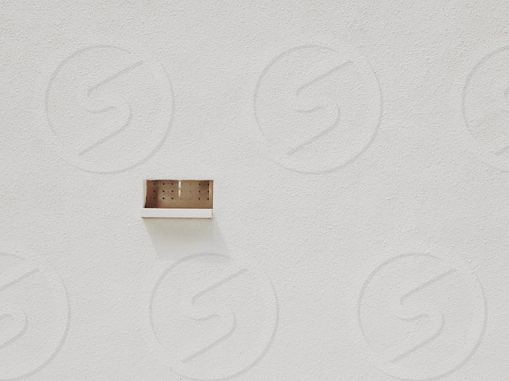 white and brown box photo