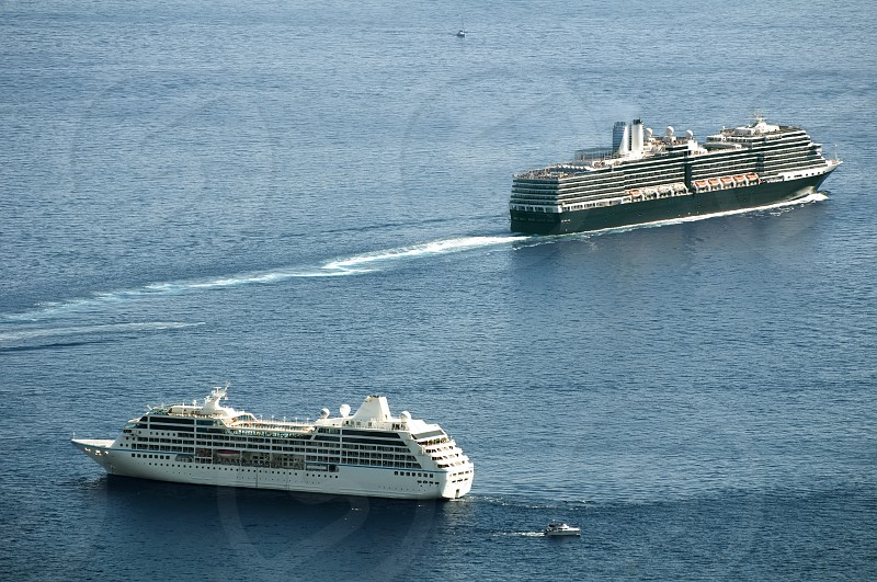 Big cruise ship photo