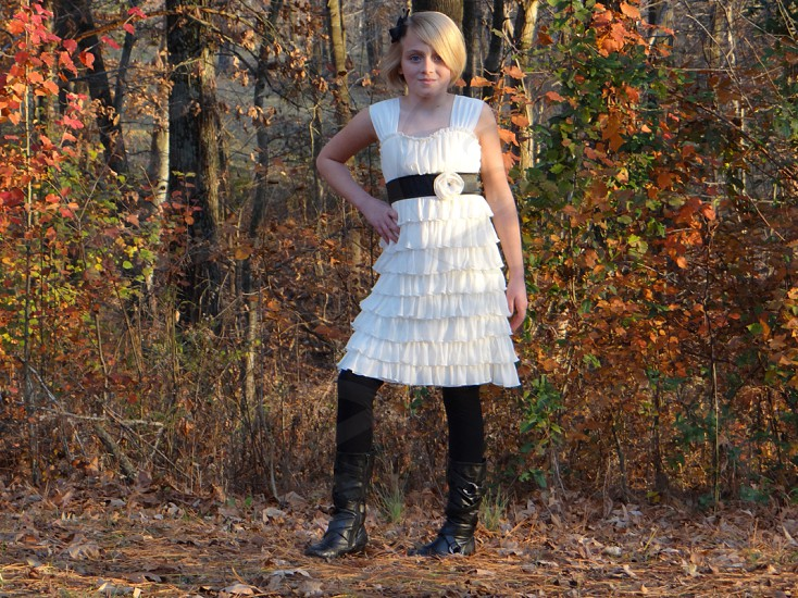 fall leaves tween fashion blond girl outdoor photo