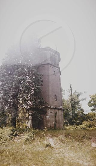 grey concrete tower photo