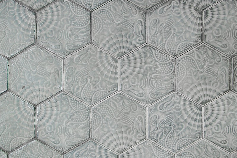gray and white floral hexagonal board photo