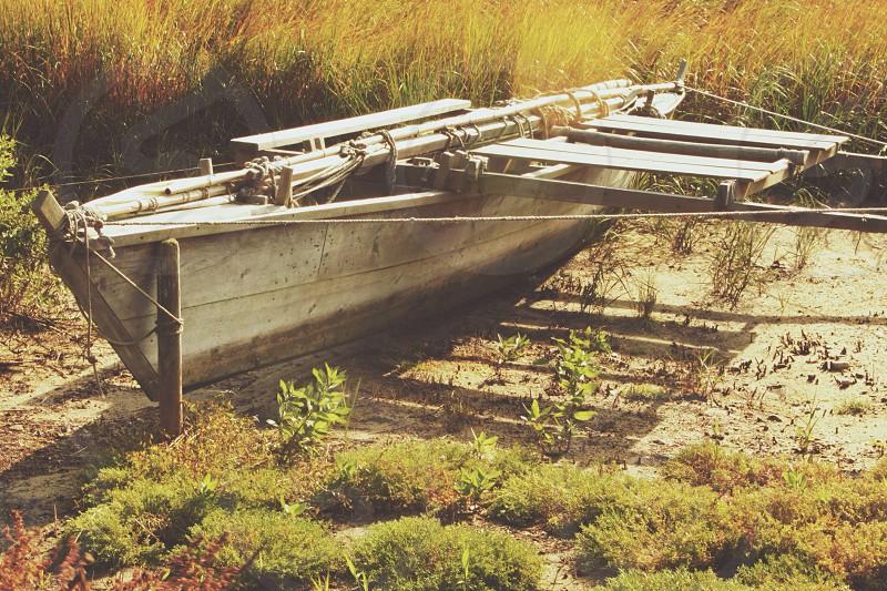 brown wood boat photo