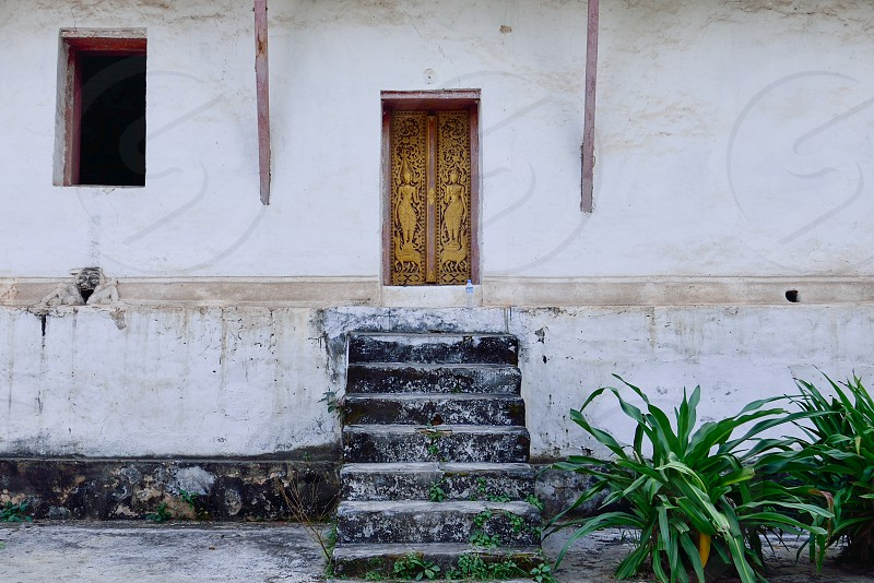 brown closed door photo