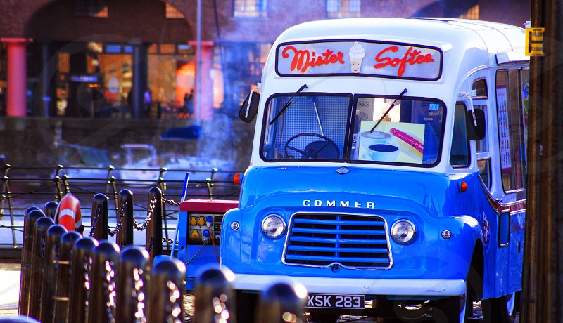 blue and white mister softea truck photo