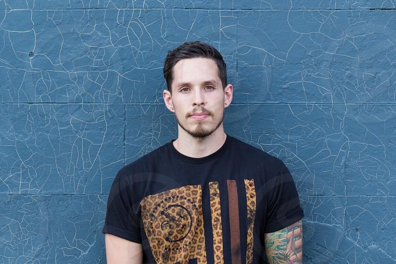 men's black printed shirt photo