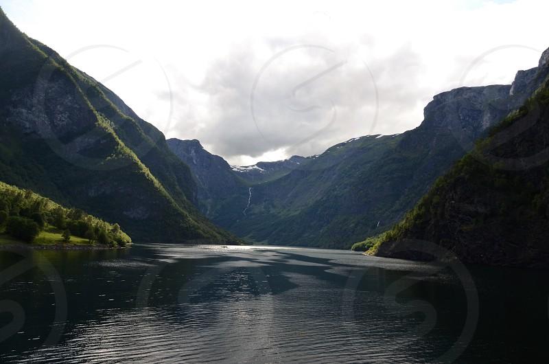 gray mountain photo