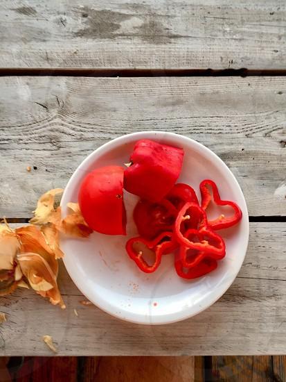 Paprikafoodplateonionvegetabletable photo