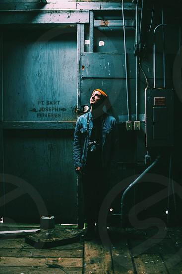 men's blue denim jacket photo