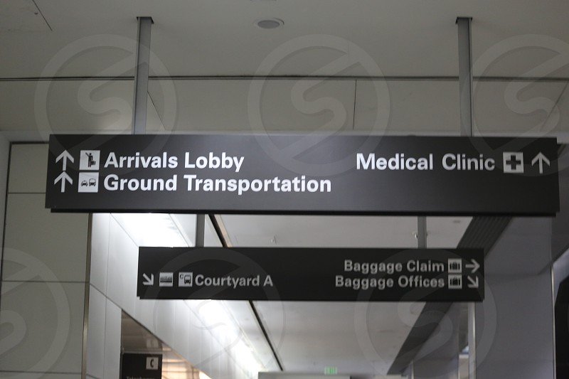 Airport sineage- ArrivalsLobby Medical clinic and Baggage claim photo