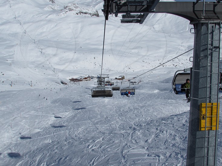 cable cart above the snow photo