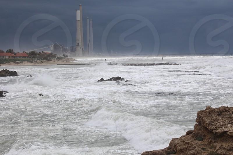 ocean waves during daytime photo