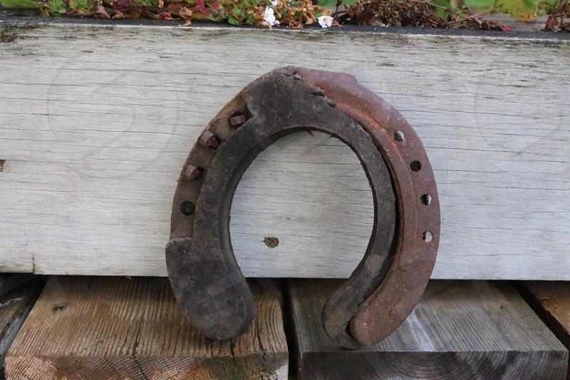 brown metal horseshoe photo