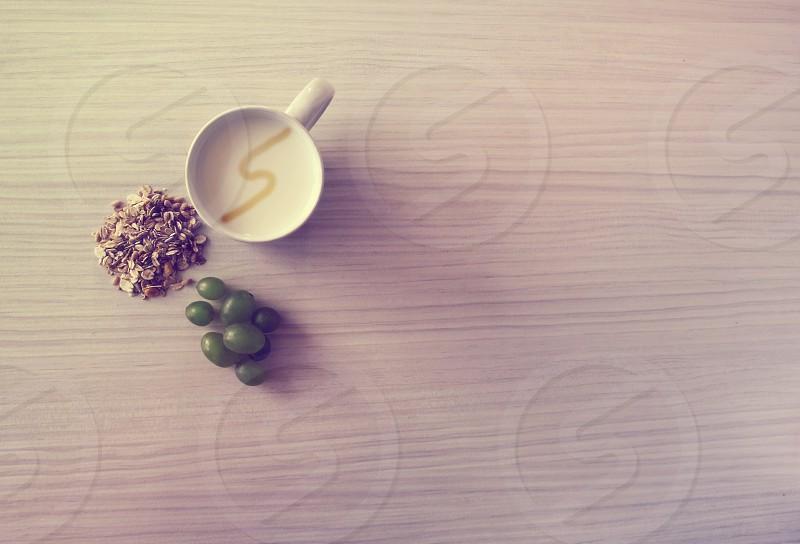 Logo milk snapwire grapes photo