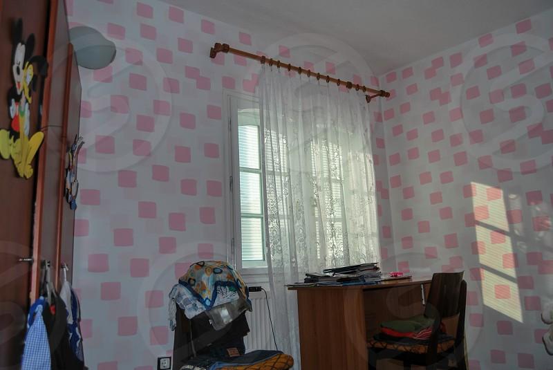 Bedroom - pink walls photo