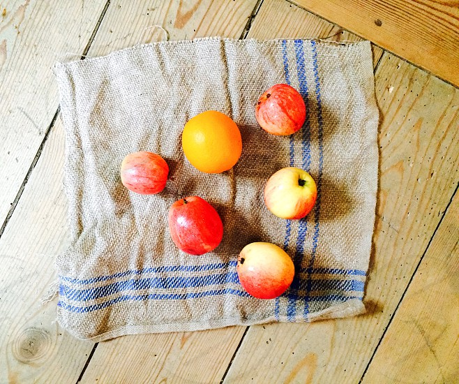 oranges and apples photo