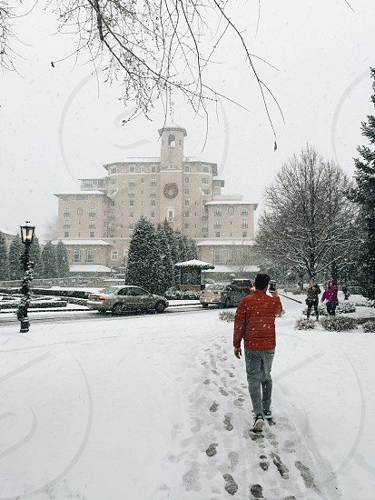 Christmas winter snowing cars hotel holiday Colorado Colorado Springs Broadmoor travel photo