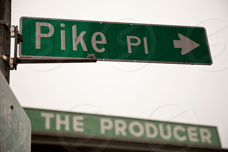 green pike pi street sign photo
