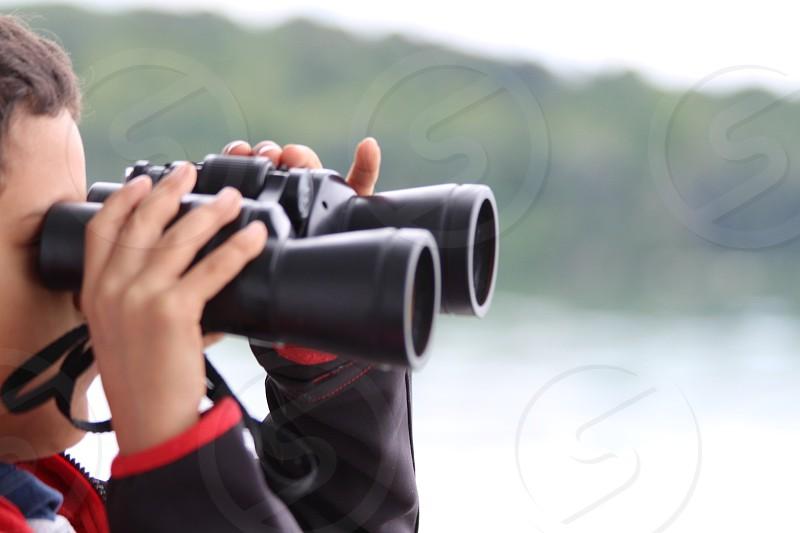 Kid birdwatching exploration  lents cannocchiale photo