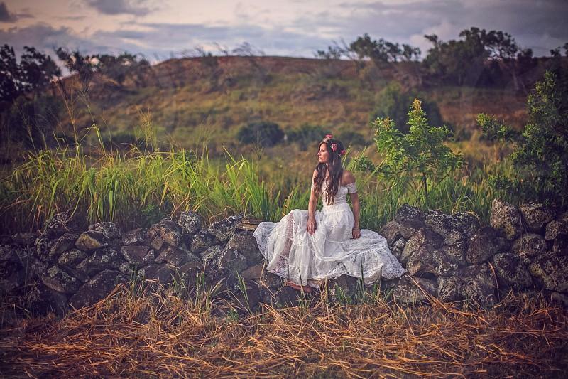 Hawaii bride Hawaiian wedding tropical destination wedding  photo