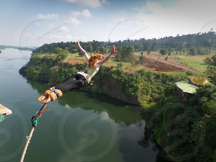 bungee jumping over the Nile in Uganda photo