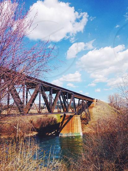 black and brown metal bridge photo