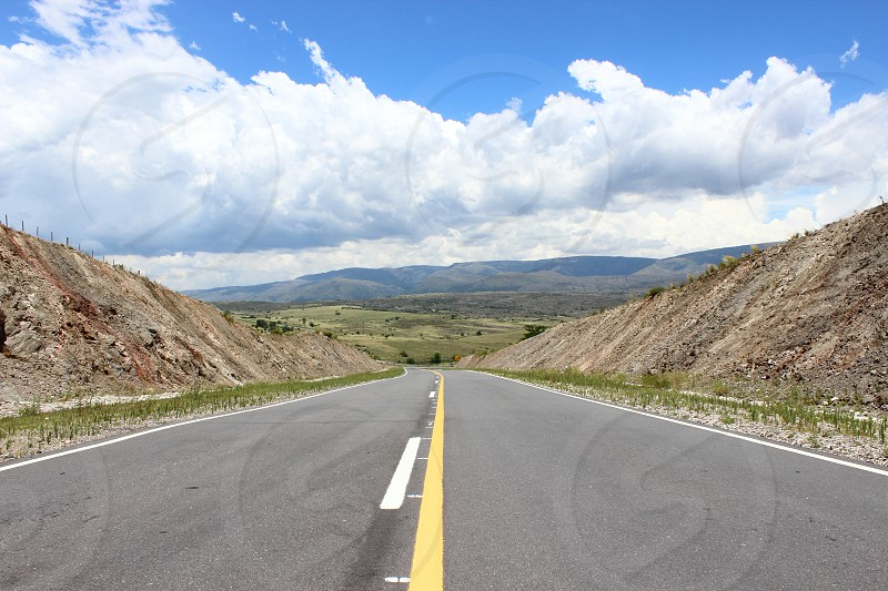 routs of argentina between mountains photo