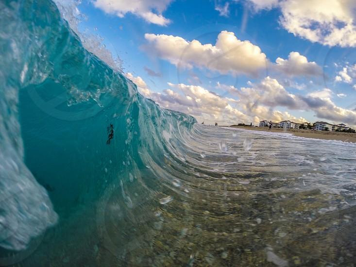 beach wave photo