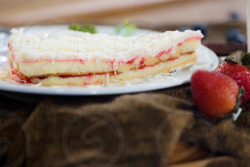 closeup photo of a strawberry pie photo