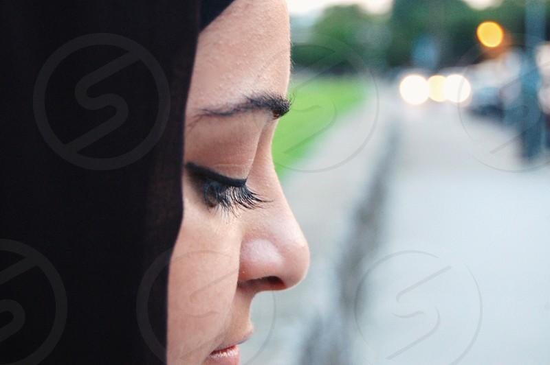 woman in black hijab photo