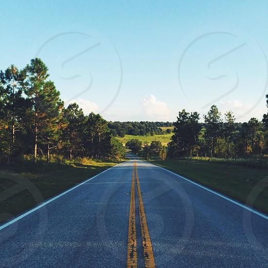 gray asphalt road photo