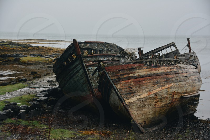 Abandoned boats photo