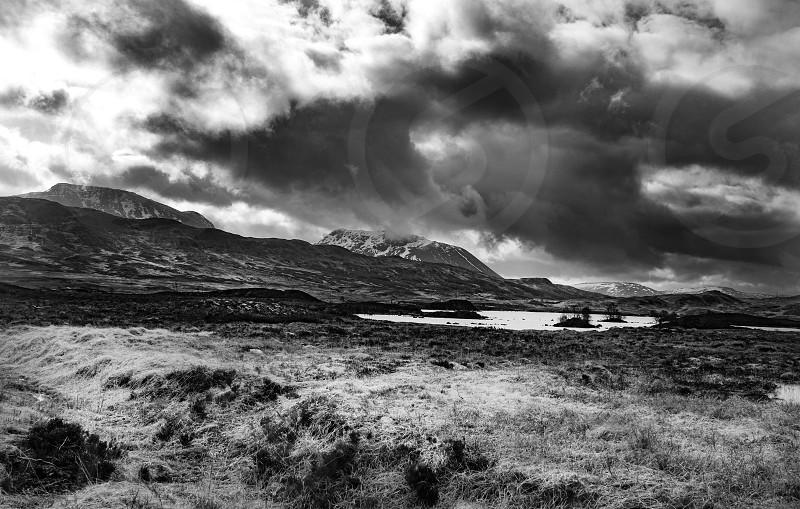 Glen Coe Scotland Travel Highlands dramatic Noir photo