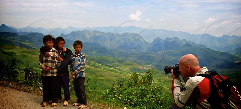 photographer kids mountains photo