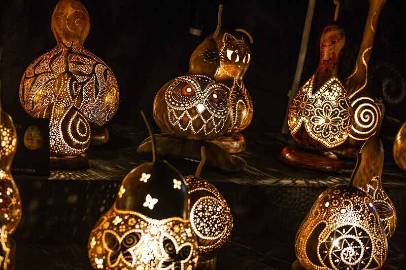 light lamp built with dried pumpkins and used as a design object photo