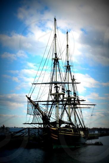 black pirate ship photo