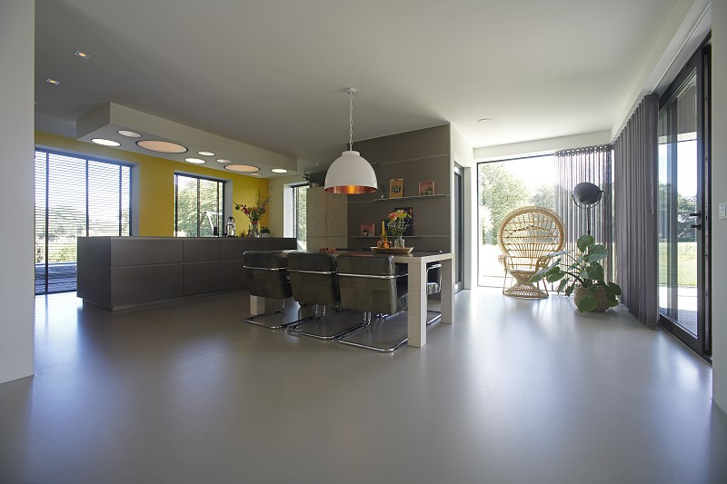 Ultra modern kitchen designed using only the best and latest technology available in the market photo