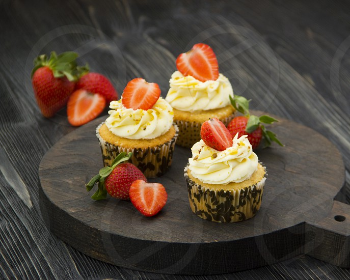 cupcakes with strawberries photo