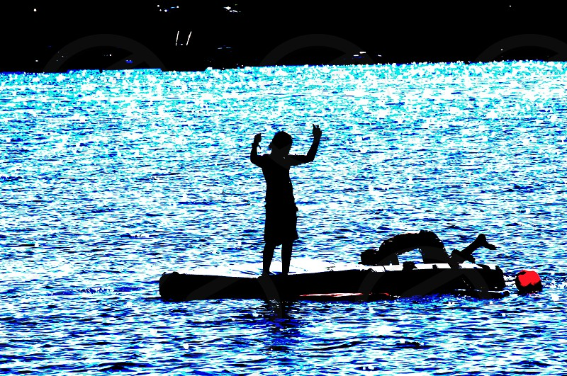 black inflatable boat photo