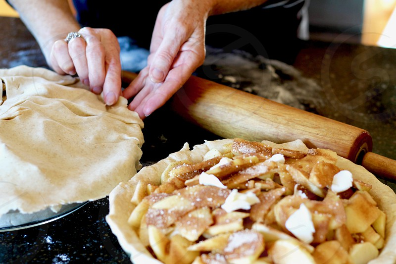 baking apple pie photo
