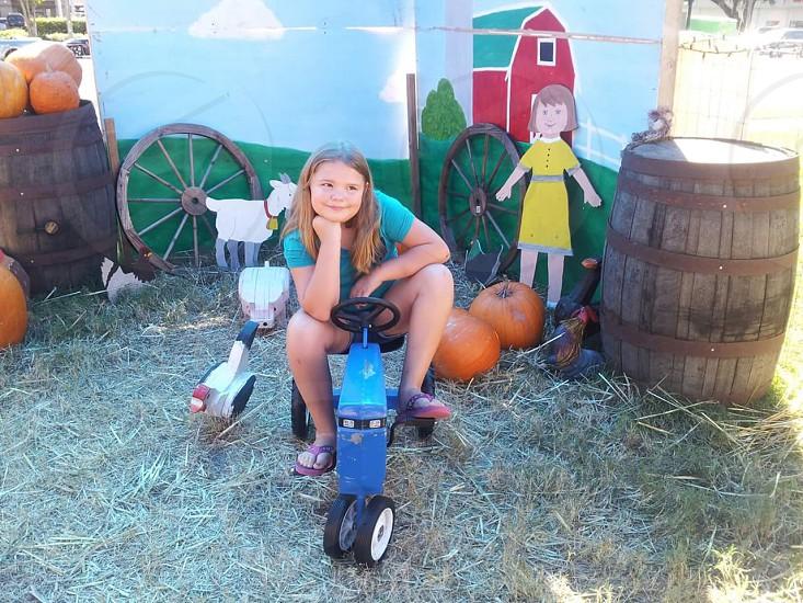 autumn pumpkin halloween chilling girl photo