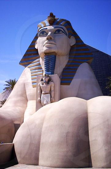 statue of king tut during daytime photo