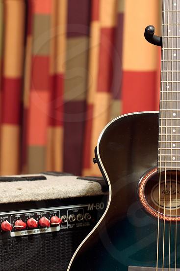 guitar acoustic amp amplifier photo
